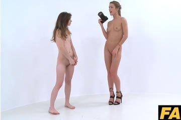 Leszbikus szex egy kamu casting során
