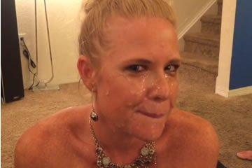 Spermaimádó amatőr feleség szopásai