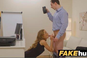 Spontán casting szex a technikus sráccal